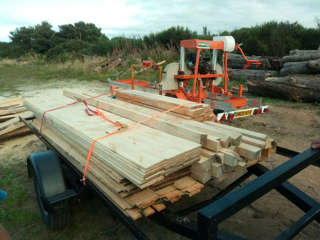 Asher Mobile Sawmill, sheds - Mobile Sawmill